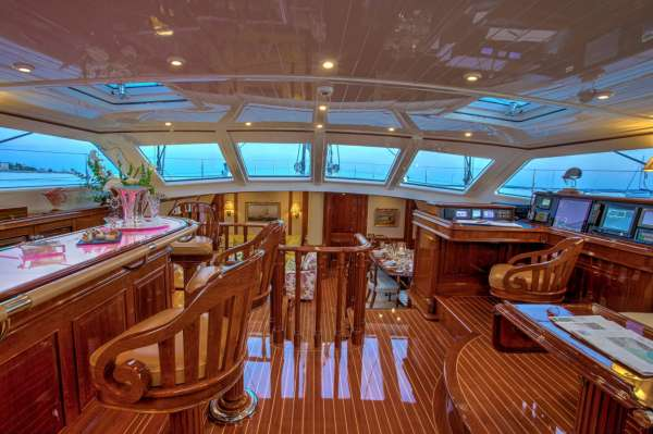 Yacht WHISPER - 10