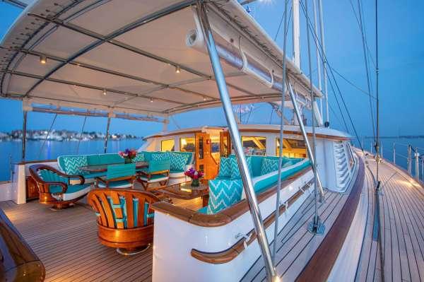 Yacht WHISPER - 16