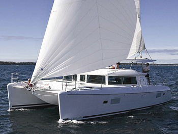 Catamaran FREESEAS