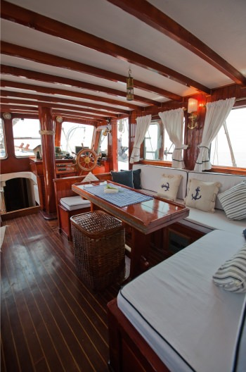 Yacht ELEFTHERIA 2