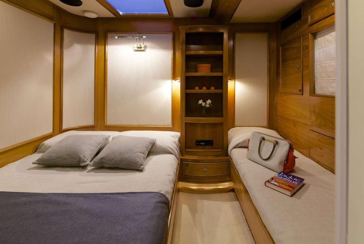 Yacht AMADEUS - 13