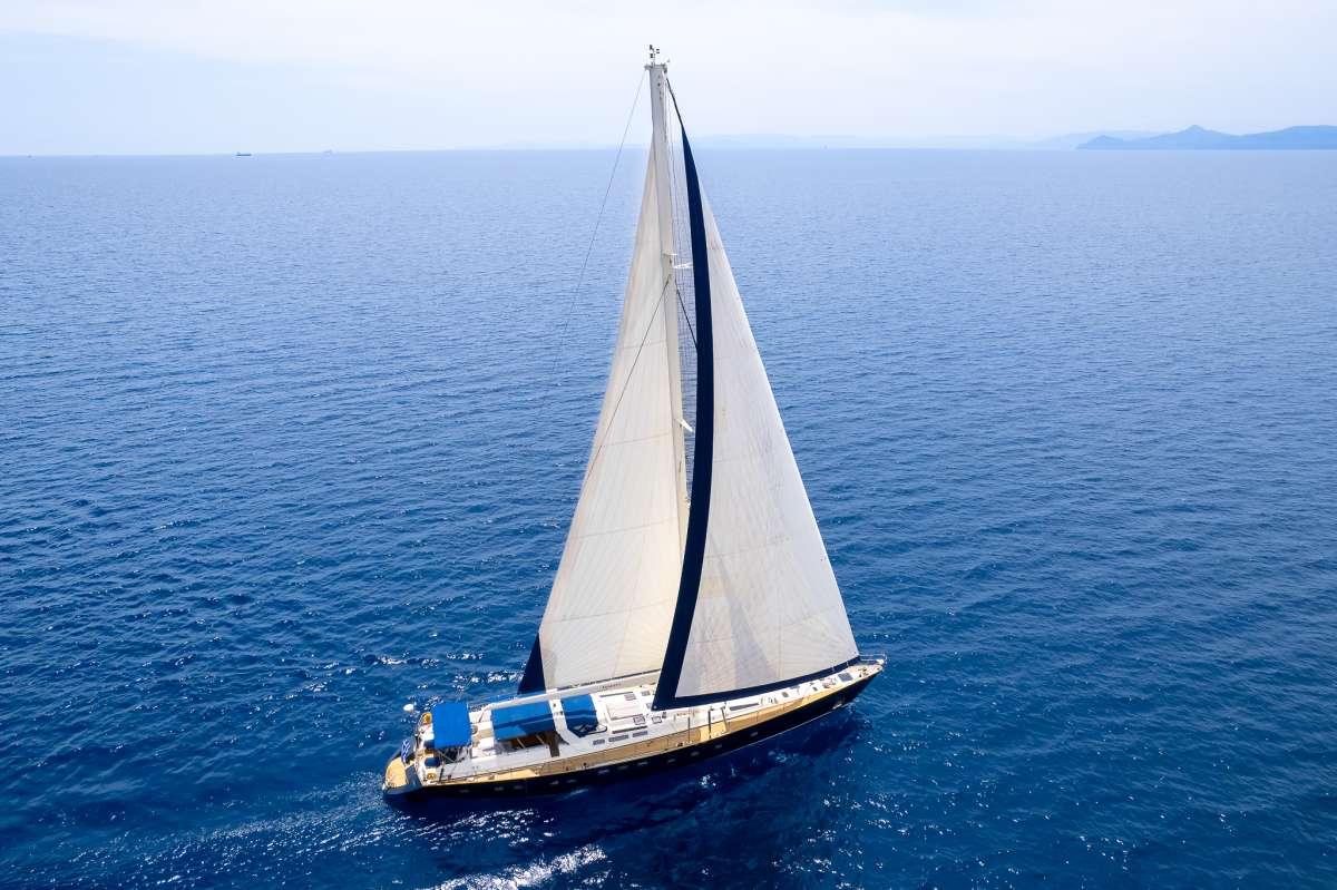 Yacht AMADEUS 2