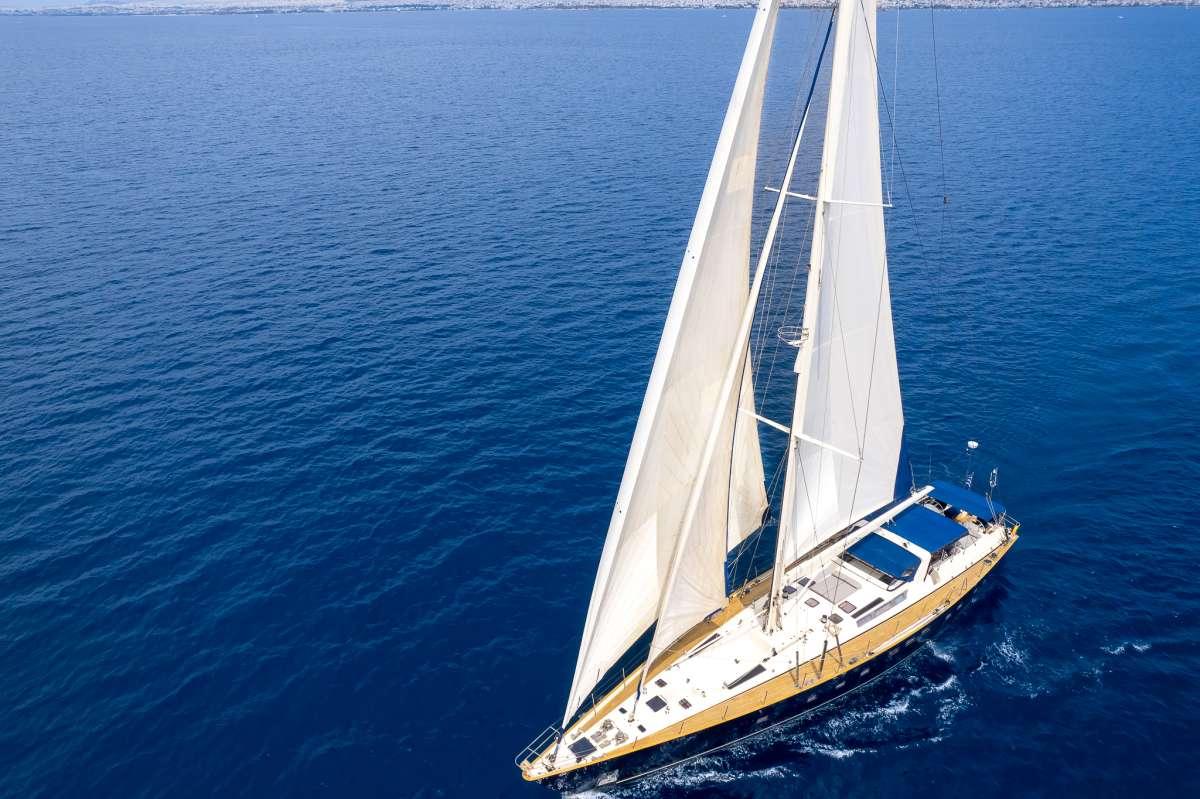 Yacht AMADEUS 3