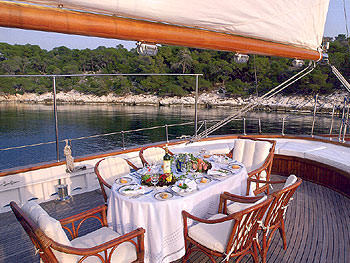 Yacht LIANA H - 19