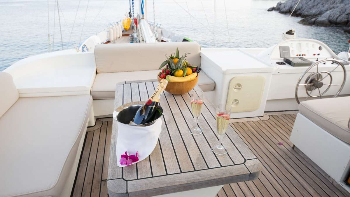 Yacht SERENITY 70 - 8