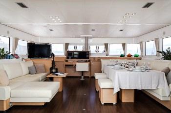 Yacht NOVA 2