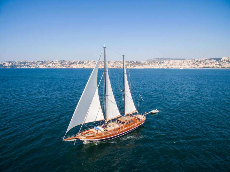 Yacht SANTA LUCIA