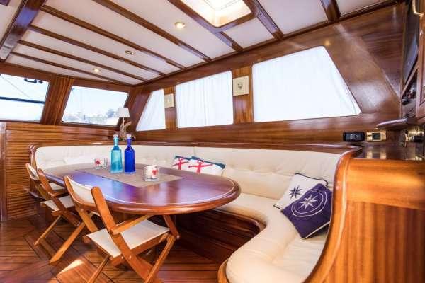 Yacht SANTA LUCIA 2