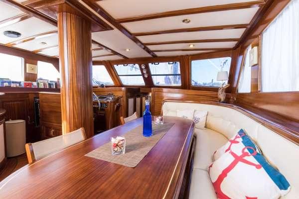 Yacht SANTA LUCIA 3