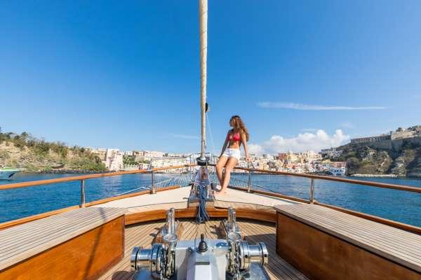SANTA LUCIA Sailing