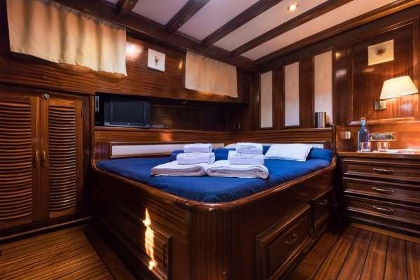 SANTA LUCIA Master cabin