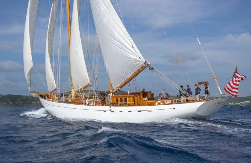 Yacht EROS