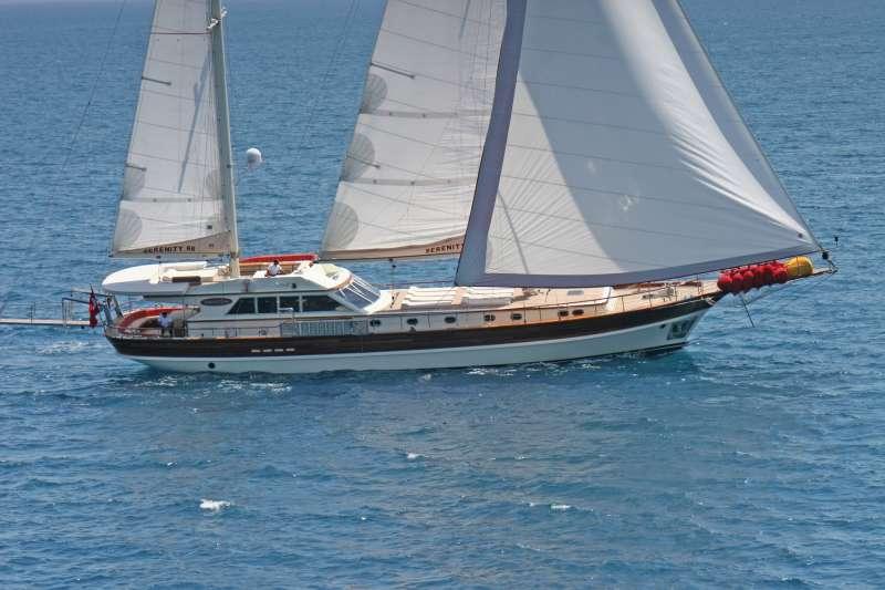 Imbarcazione SERENITY 86