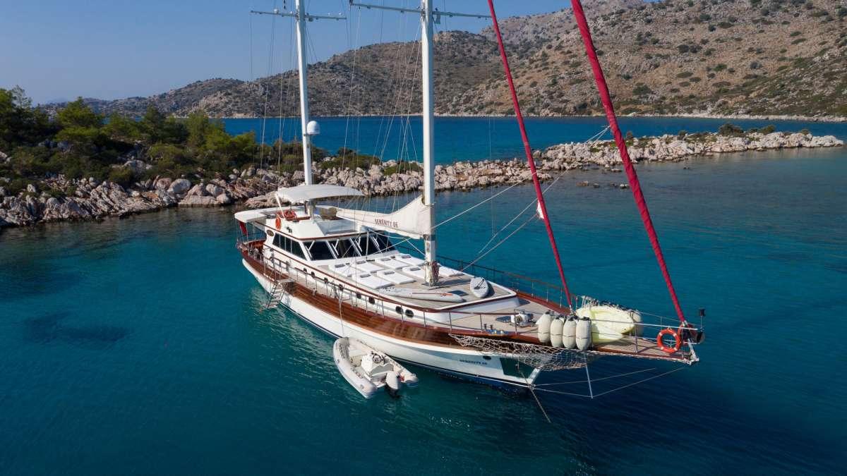 Yacht SERENITY 86 2