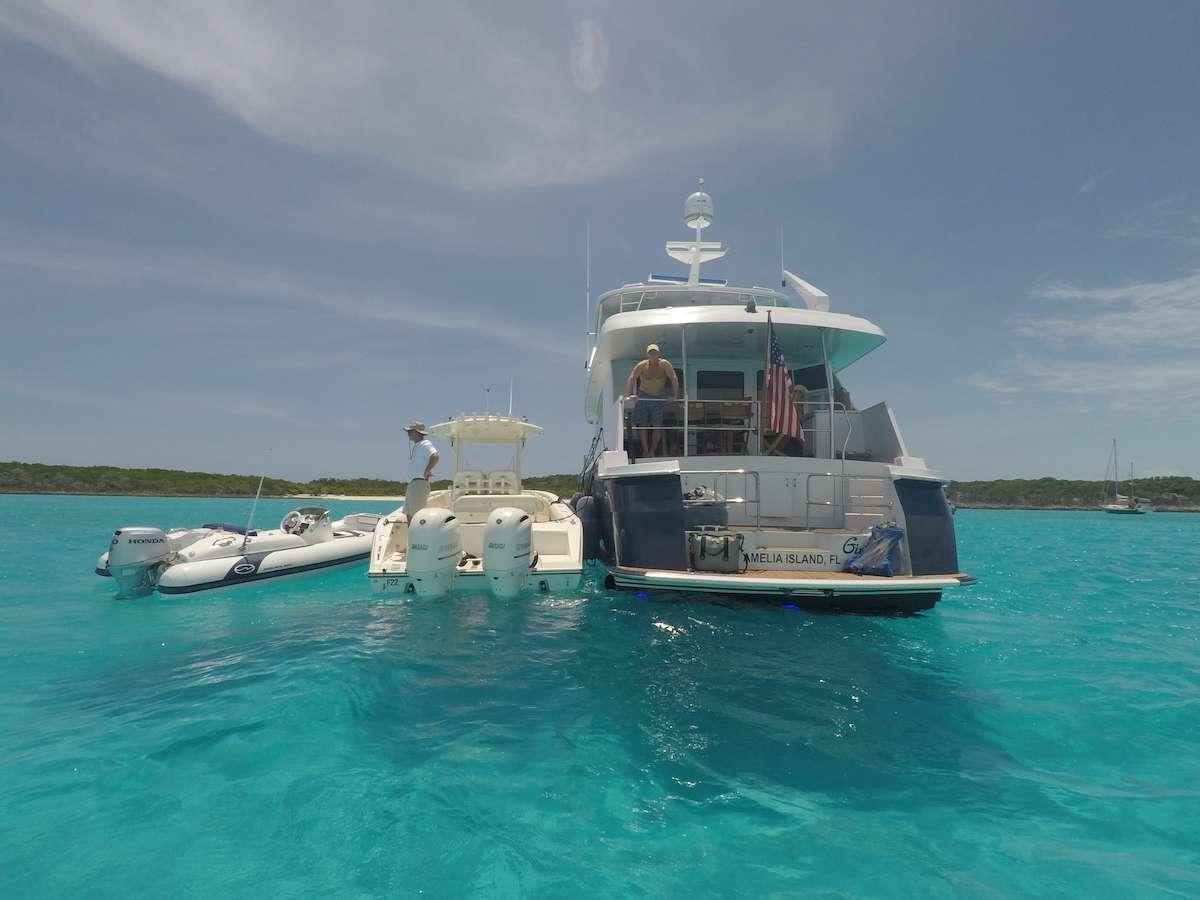 Power Yacht ISLAND GIRL