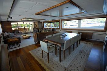 Yacht STEEL 2
