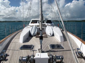 Yacht REE - 12