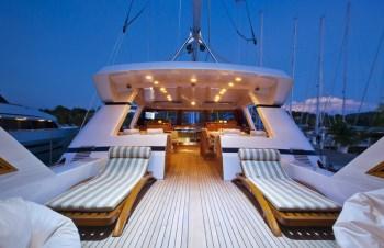 Yacht REE 2