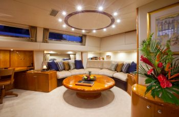 Yacht REE - 4