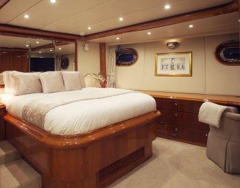 Yacht REE - 6