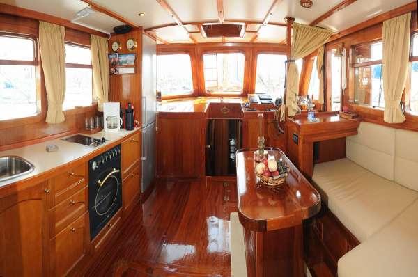 Yacht AEGEAS 2