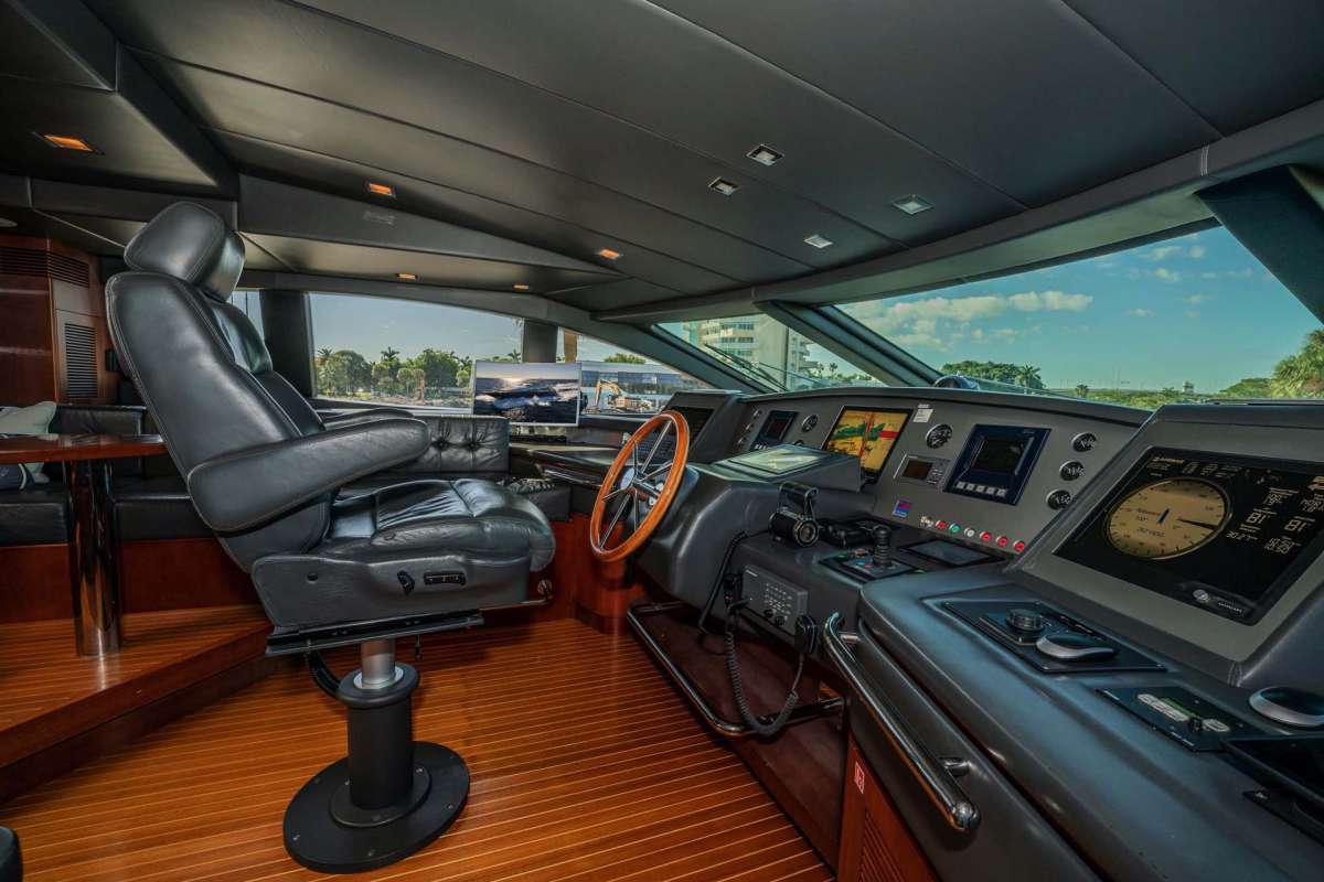 VIVERE Pilothouse