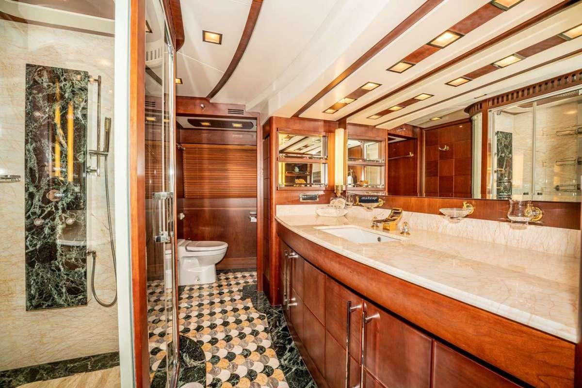 VIVERE Master Bath