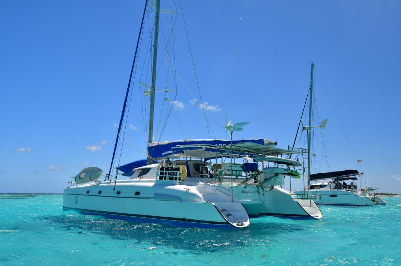 Charter with IMAGINATION on compassyachtcharters.com