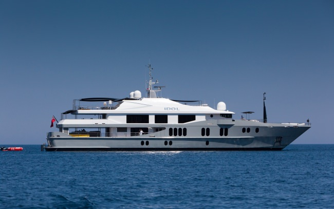 Yacht IDOL