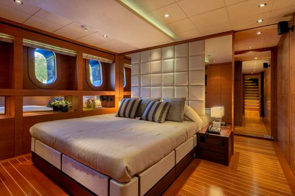 ZALIV III Guest cabin lower deck