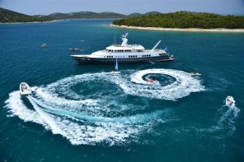 Yacht BERZINC - 19