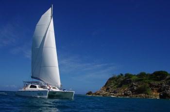 MOJITO (CAT) Sailing to Tintamarre island