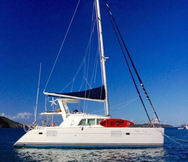 Yacht BLACK PEARL