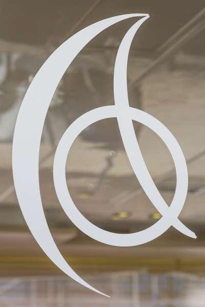 ARCTIC QUEEN's Logo