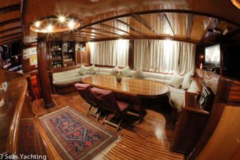 Yacht NIRVANA 2 3