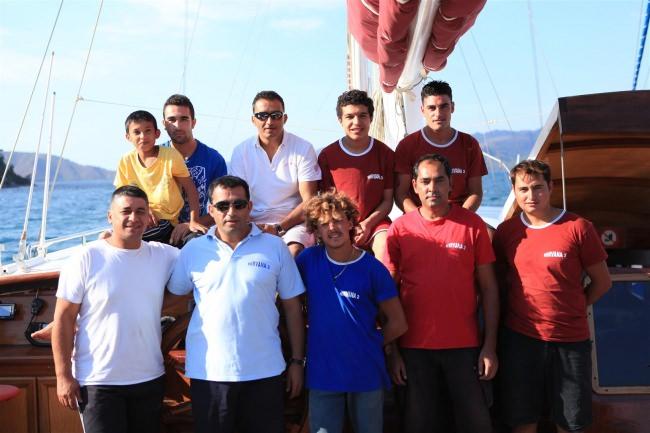 ARAGON 's crew