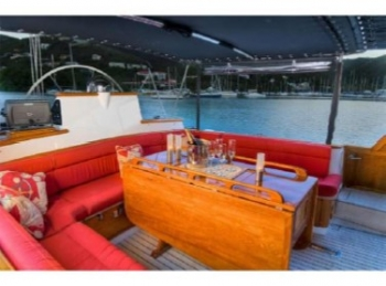 MUSTANG Aft Deck/Lounging Area