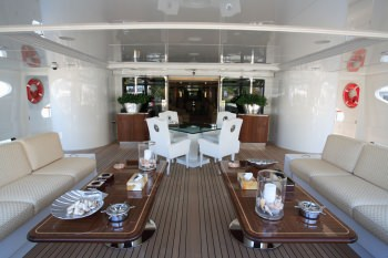 SUNDAY Aft main deck