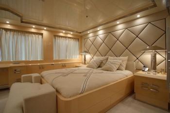 SUNDAY VIP Cabin