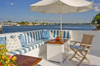 SYRENE Upper deck seating
