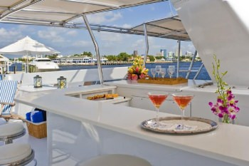 SYRENE Top Deck Bar
