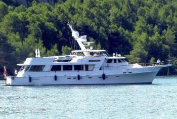 SYRENE Syrene at anchor