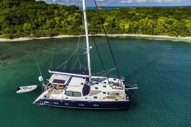 Yacht ULA
