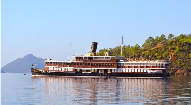 Yacht HALAS