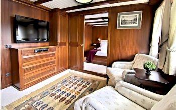 Yacht HALAS 2