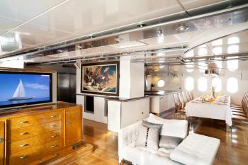 Yacht DWINGER 2
