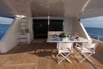 MY WAY Aft deck