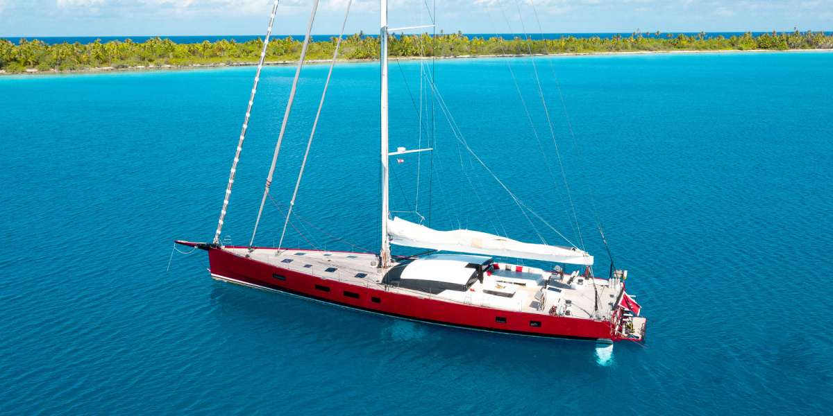 Yacht NOMAD IV