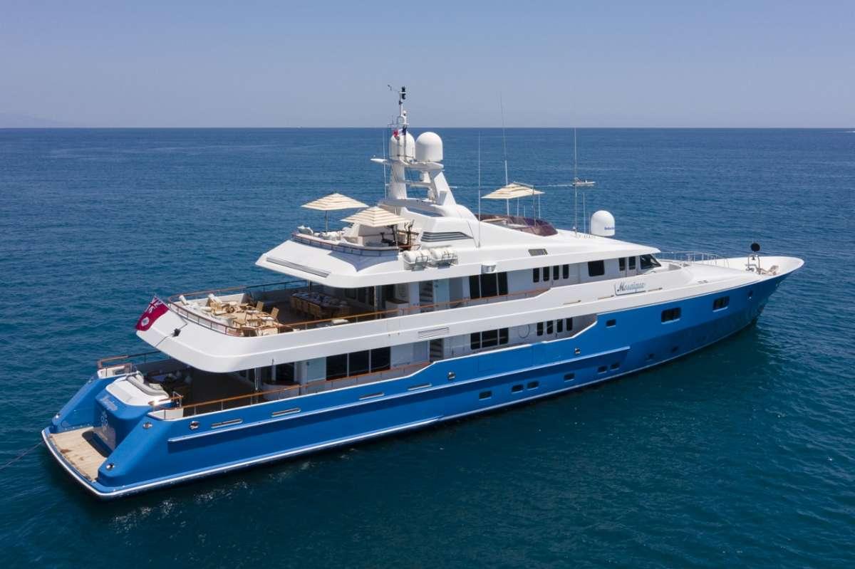 Yacht MOSAIQUE