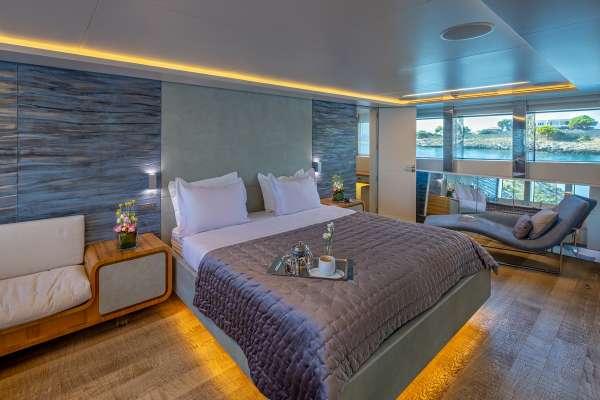 BARENTS SEA Master cabin